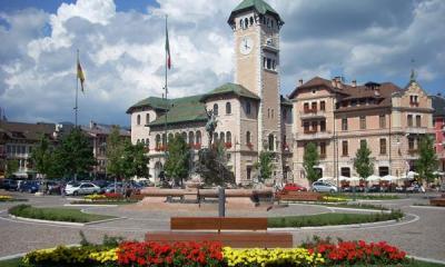 The gardens of Piazza Carli in Asiago (ph: Iat Altopiano di Asiago)
