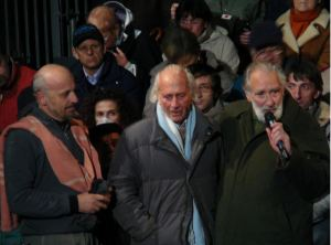 """Second picture: with Lieutenant Nelson Cenci at the premiere of the """"Sergeant"""" by Marco Paolini in Zovencedo (Vicenza) and on La7 channel, on October 30, 2007. The next day, Mario had the diagnosis of the disease that killed him eight months after."""