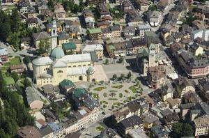 An aerial photo of the center of Asiago (ph: Sergio Dalle Ave).
